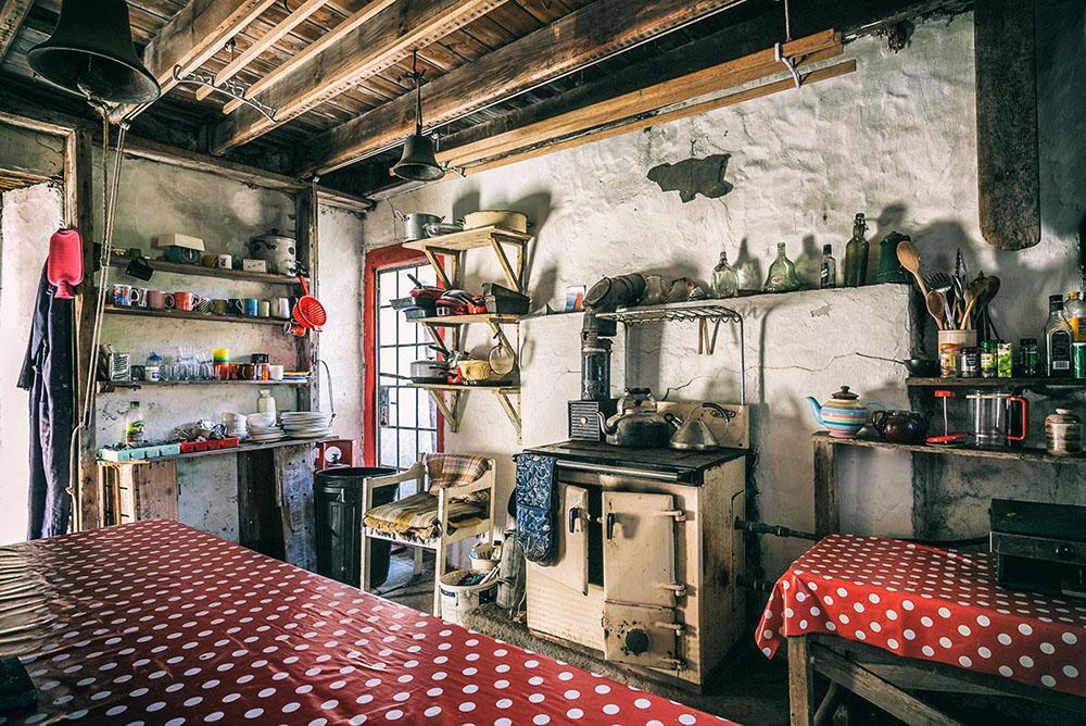 Ensay Kitchen, ensay house, sound of harris